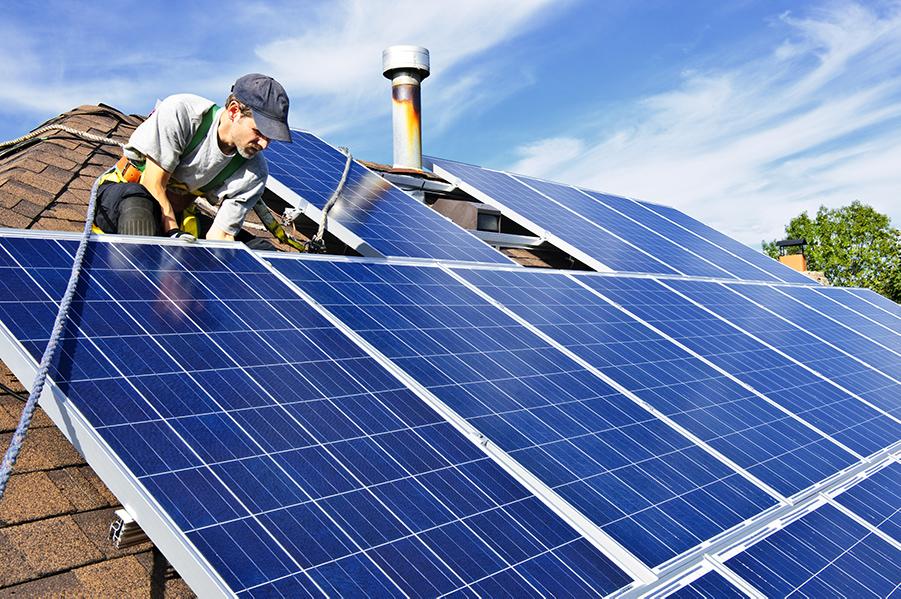 2018-10-09-solar-panels-installer2